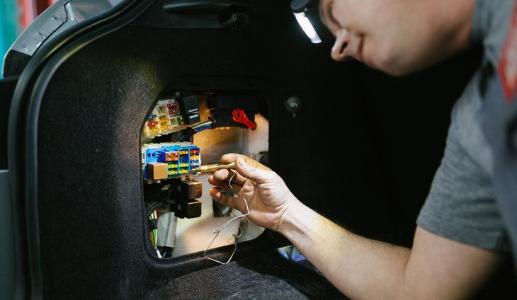 What makes a fuse keep blowing in car learn how to fix